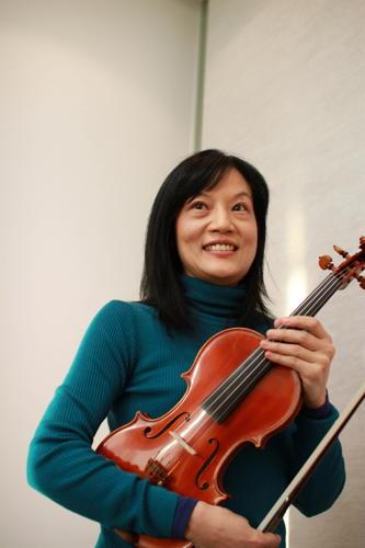 写真:千住真理子さん:2月22日には東京オペラシティコンサートホールでワルシャワ国立フィルハーモニー管弦楽団(ミハウ・ドヴォジンスキ指揮)とチャイコフスキーのバイオリン協奏曲を演奏する