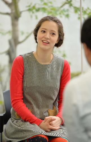 写真:インタビューに答えるタレントの春香クリスティーンさん=11月25日、東京都目黒区、瀬戸口翼撮影