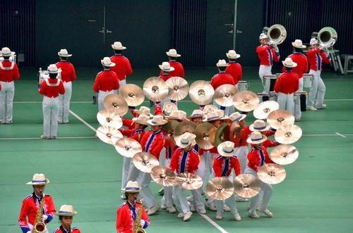 写真:高校以上の部で演奏を披露する市立柏=大阪市中央区の大阪城ホール、迫和義撮影