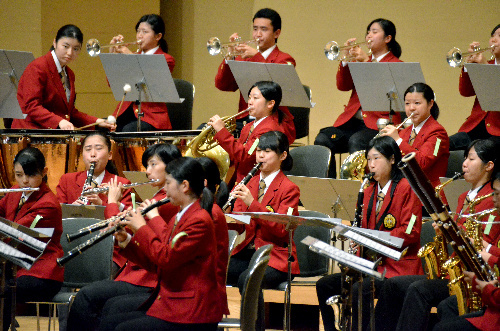 写真:美しいハーモニーを響かせる東海大高輪台=1日、名古屋市熱田区の名古屋国際会議場、迫和義撮影