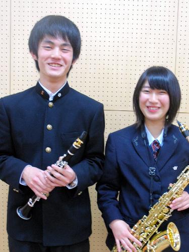 写真:抱負を語る吹奏楽部長の新妻一昭君(左)と、副部長の春山尚美さん=磐城高校