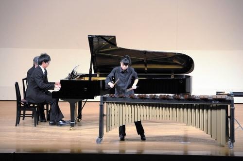 写真:高校生の部でグランプリに輝いた出井友香里さん(マリンバ)=県教育会館