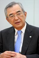 写真:川村隆・日本経団連副会長(日立製作所会長)