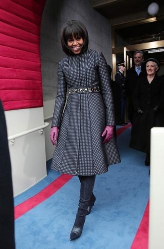 写真:オバマ米大統領の就任式に到着したミシェル・オバマ夫人=ロイター