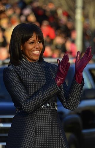 写真:就任式後のパレードに臨むミシェル・オバマ米大統領夫人=AFP時事