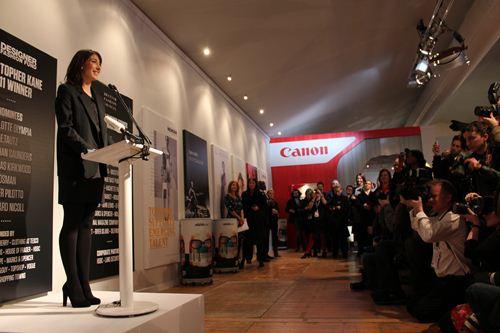 写真:ロンドンファッションウィークアンバサダーに就任したサマンサ・キャメロン首相夫人も、開会式に姿を見せた(以下、写真はすべて柏木写す)