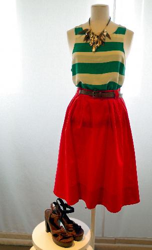 写真:[2]H&Mのカラフルなマリンスタイル