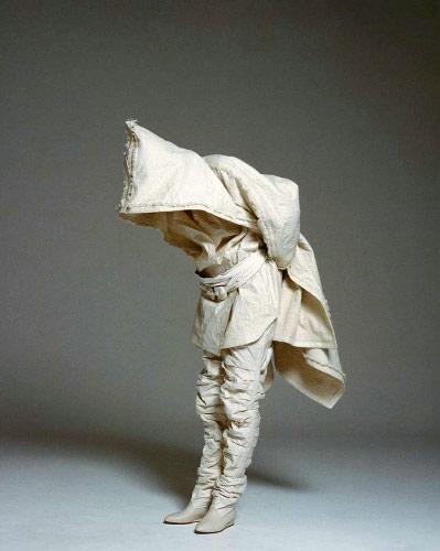 写真:紙衣・白石和紙工房 和紙を使った82年の作品