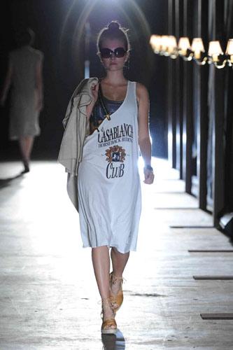 写真:ザ・ドレス・アンド・コー(The Dress & Co.HIDEAKI SAKAGUCHI)