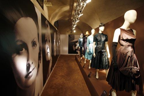 写真:グレタ・カルボの衣装に加え、私服も多く展示されている(同上)
