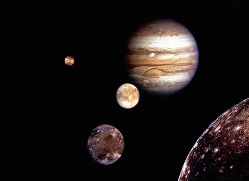 写真:ガリレオが発見した惑星を示した展示映像ビデオより