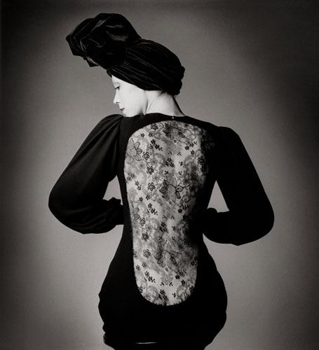 写真:ヴォーグ・フランス誌(1970年)に掲載されたジャンルー・シーフのファッション写真(C)Estate Jeanloup Sieff