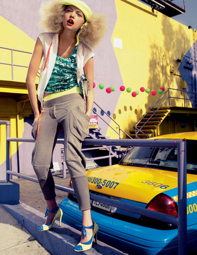 写真:ジェマ・ワード(C)Good Sport' Gemma Ward April 2006 by Mario Testino Fashion by Future Classics, Lacoste and Sonia by Sonia Rykiel