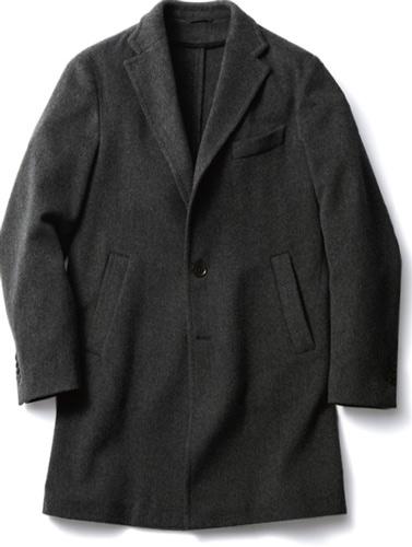 写真:(写真3)テーラードジャケットで人気のある一枚仕立てを、コートにも採用。高い仕立て技術で、保形性と柔らかい着心地を両立している。コート¥78,750/ミケランジェロ(ル ドーム エディフィス丸の内 03−6212−2460)