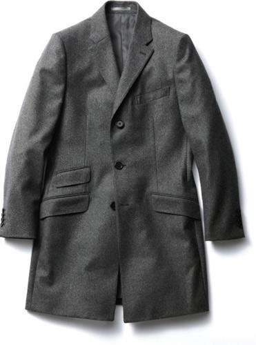 写真:(写真2)右腰ポケットの上のチェンジポケットは、英国調の正統的なデザイン。ウール95%×ナイロン5%。コート¥79,800/ケント・アンド・カーウェン(レナウン プレスポート 03−5772−7160)
