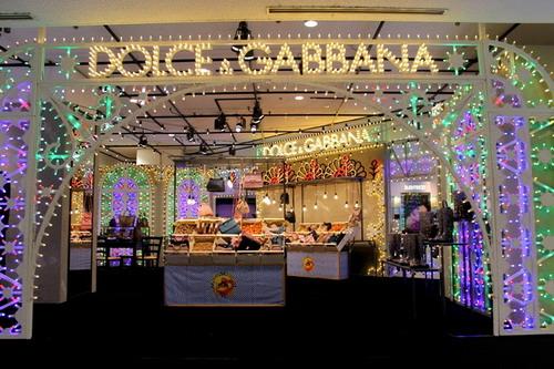 写真:伊勢丹新宿店本館 1 階にオープンしたドルチェ&ガッバーナの期間限定ショップ