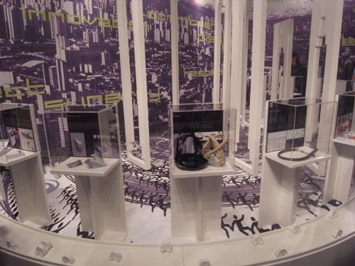 写真:トリエンナーレ会場で発表されていたJTイタリアのデザイン・コンペ授賞展。