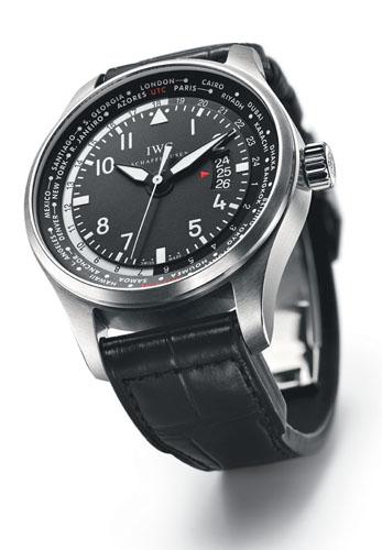 写真:(写真3)IWC「パイロット・ウォッチ・ワールドタイマー」。自動巻き、ステンレススチール、ケース径45ミリ。4月発売予定。87万6750円(税込み予価)