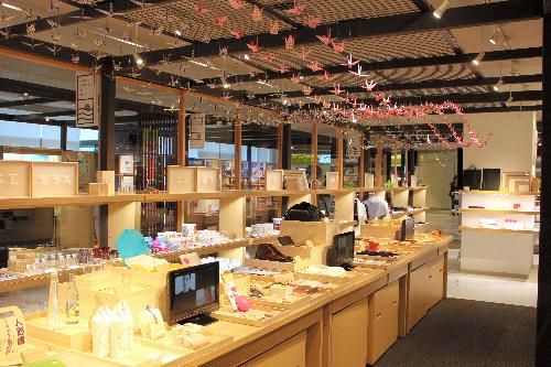 写真:「東京ソラマチ」にオープンした「産業観光プラザ すみだ まち処」