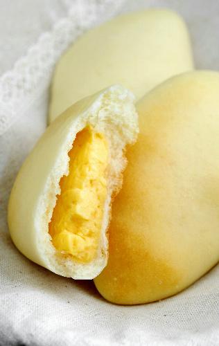 写真:クリームパン 価格 120円(税込み)