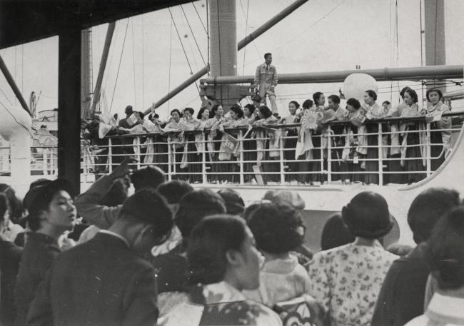 神戸港から靖国丸に乗って「日独伊親善芸術使節団」として第1回 ...