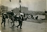 海路で九州に向かうため神戸駅からメリケン波止場に向かう裕仁皇太子(後の昭和天皇)=1920年
