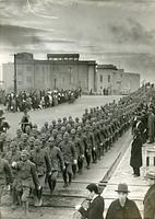 熱河丸で神戸から出港する満蒙開拓青少年義勇軍=1938年12月7日