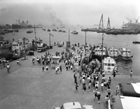1963(昭和38)年の神戸港メリケン波止場。遊覧船や通船の乗り場になっていた。左は新港第1突堤、右後方は和田岬の三菱重工