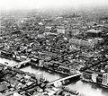 空から見た大阪商業の中心地、船場周辺=1933年撮影
