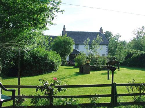 写真:カンブリア州の田舎にある友人宅と庭