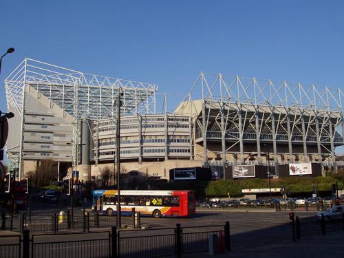 写真:ニューカッスル・ユナイテッドのホームスタジアム、52,000人を収容。ロンドン・オリンピックのサッカー会場ともなる