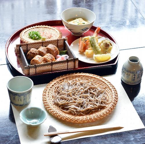 写真:羽根直樹九段の昼食=17日、神戸市北区の有馬温泉「御所坊」、諫山卓弥撮影
