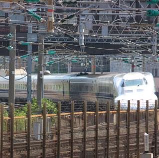 カーブあり、新幹線あり田町駅は鉄道展望の穴場
