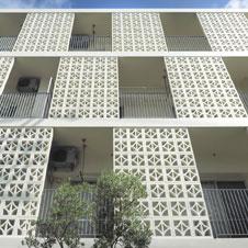 風景に楽しい華を添える幾何学模様「花ブロック」