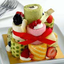 色鮮やかなロールケーキタワー クリス・ハートさん