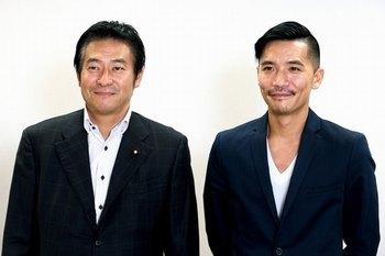秋元司衆院議員(左)とZeebraさん