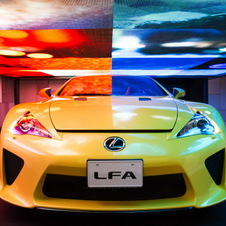 芸術的な輝き「レクサス LFA SPIDER」