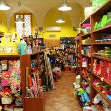 〈イタリアの商店〉人気雑貨セレクトショップ「99セント」