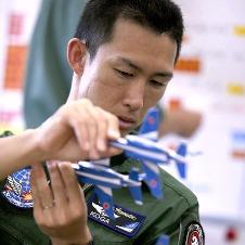 航空自衛隊のアクロバットチーム、ブルーインパルス