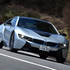 BMWのプラグインハイブリッド車「i8」に試乗