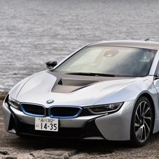 BMWのプラグインハイブリッド車「i8」