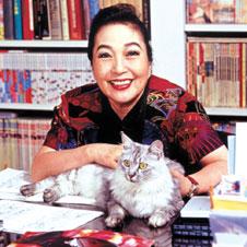 「猫おばさん」になったわけ 作詞家・湯川れい子が語る<1>