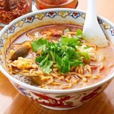 「すっぱ辛い」トムヤムクン麺 May J.さん