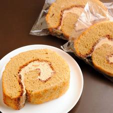 〈オトコの別腹〉1本丸ごと食べたコーヒーロールケーキ