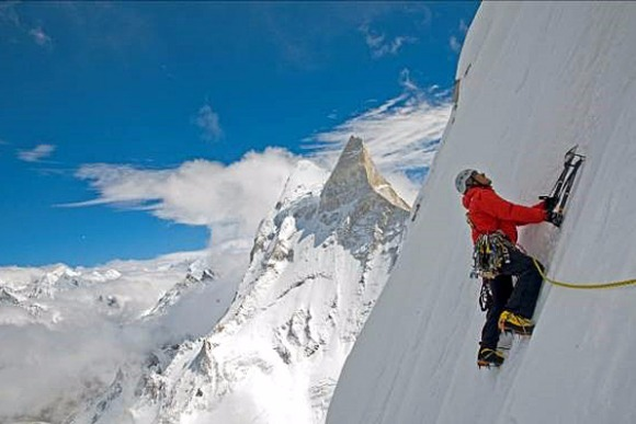 ヒマラヤ垂直最短登頂に挑んだ迫力のドキュメンタリー