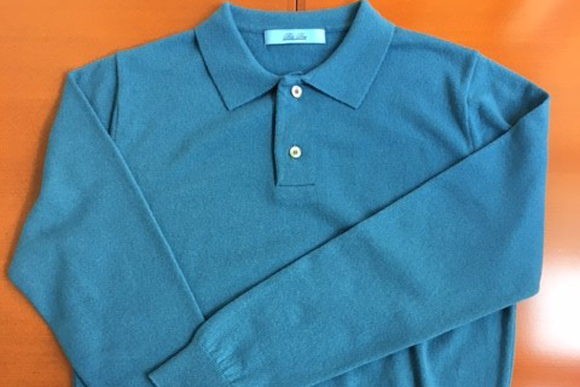 伝統の「グアード藍」で編んだカシミヤ・ポロニット