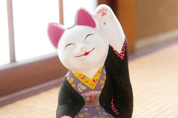 かくも面白い、招き猫の世界へ