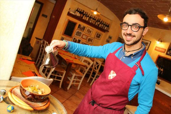 イタリアの商店<第17回>法学部出身の若者が営む軽食堂