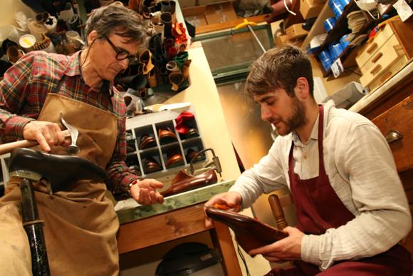 イタリアの商店<第21回>顧客と親友のようになる「靴工房」