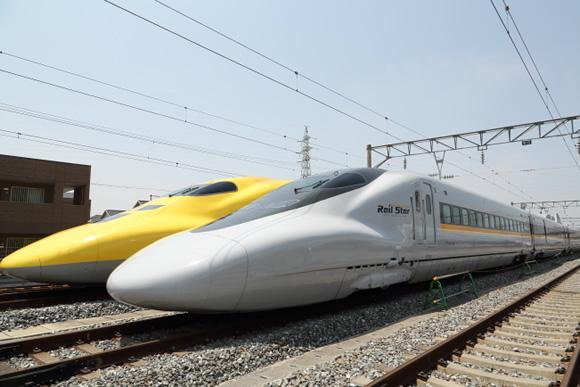 JR西日本の山陽新幹線車両が集結